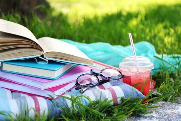 summer-reading-africa-studios-shuttersthock-e1436293933664